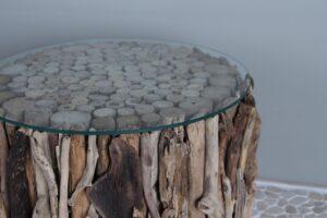 Drijfhouten tafeltje met glasplaat