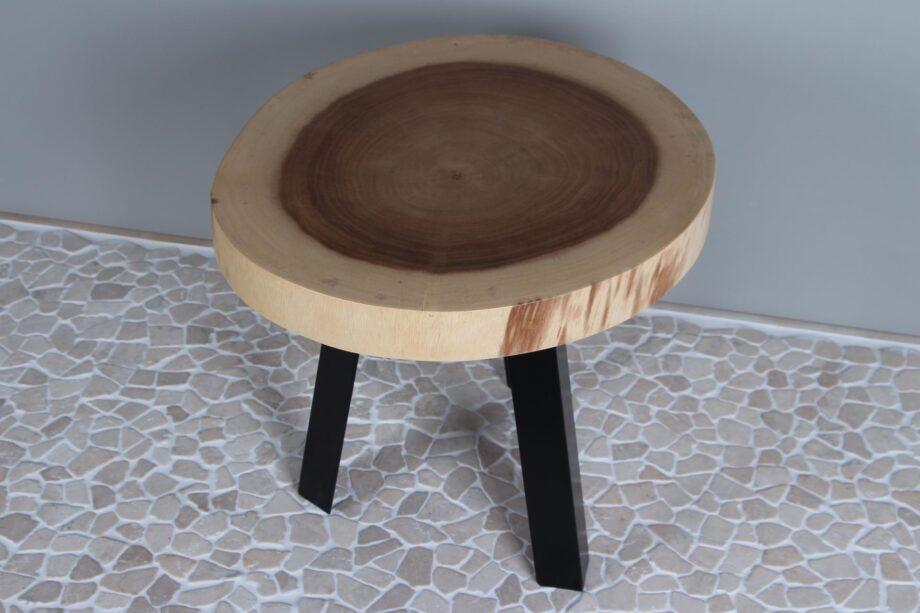 Suarhouten tafeltje met zwaar metalen poten M