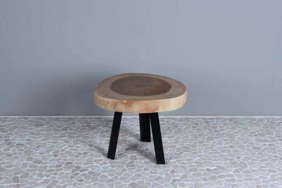 Suarhouten tafeltje met zwaar metalen poten S